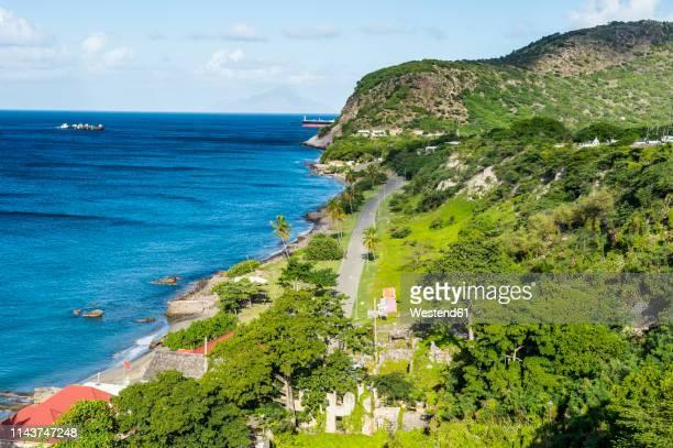 caribbean, netherland antilles, st. eustatius, oranjestad, overlook over oranje bay from fort oranje - シント・ユースタティウス島 ストックフォトと画像