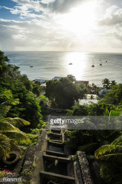 caribbean, netherland antilles, st. eustatius, oranjestad, view to caribbean sea - シント・ユースタティウス島 ストックフォトと画像