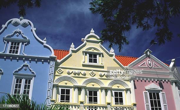 caribbean style - oranjestad stockfoto's en -beelden