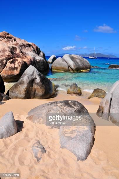 caribbean travel view 4 - islas de virgin gorda fotografías e imágenes de stock