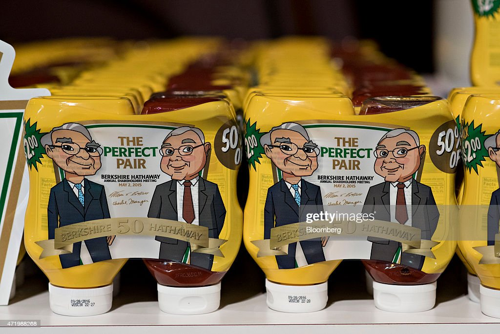 Berkshire Hathaway Inc. Annual Shareholders Meeting : News Photo