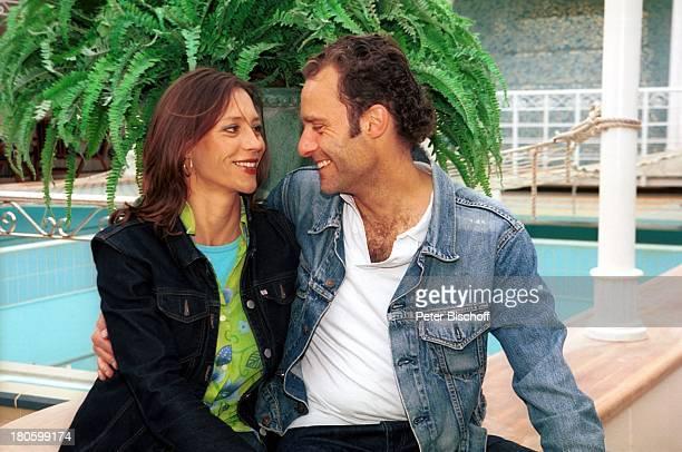 Carin C Tietze Ehemann Florian Richter am Rande der Dreharbeiten zur ZDFReihe Traumschiff Folge 43 Thailand Asien Casablanca/Marokko/Afrika MS...