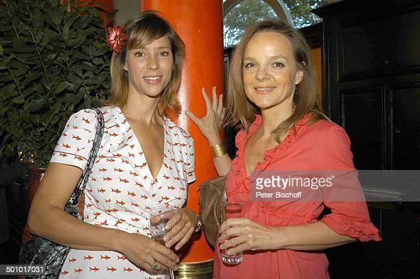 Carin C Tietze Sissy Höfferer Party zum 30jährigen Jubiläum der ZDFSerie Soko 5113 München Deutschland PNr1085/2006 Restaurant Seehaus Wein Glas...