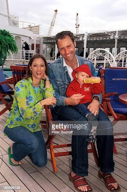 Carin C Tietze Sohn Fausto Tietze Ehemann Florian Richter am Rande der Dreharbeiten zur ZDFReihe Traumschiff Folge 43 Thailand Asien...