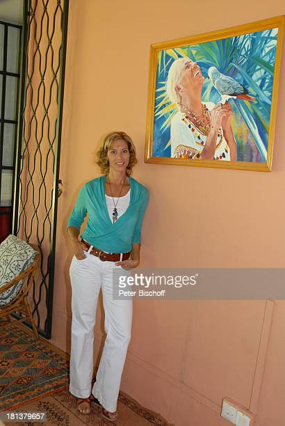 Carin CTietze darüber Gemälde mit Henriette von Bohlen und Halbach mit Papagei ZDFReihe Kreuzfahrt ins Glück Folge Nr 9 Marokko Villa Bled Targui...