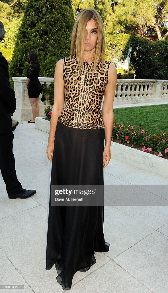 Carine Roitfeld arrives at amfAR's Cinema Against AIDS 2010 benefit gala at the Hotel du Cap on May 20, 2010 in Antibes, France.