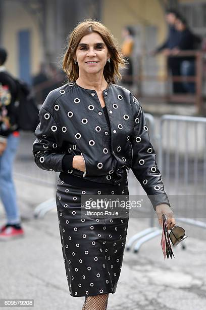 Carine Roitfeld arrives at the Gucci show during Milan Fashion Week Spring/Summer 2017 on September 21 2016 in Milan Italy