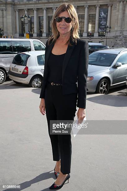 Carine Roitfeld arrives at the Maison Margiela show as part of the Paris Fashion Week Womenswear Spring/Summer 2017 on September 28 2016 in Paris...