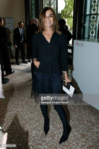 Carine Roitfeld attends the Chanel Cruise 2017/2018 Collection Show at Grand Palais on May 3 2017 in Paris France