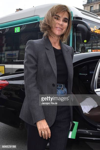 Carine Roitfeld is seen arriving at Stella McCartney show during Paris Fashion Week on October 2 2017 in Paris France