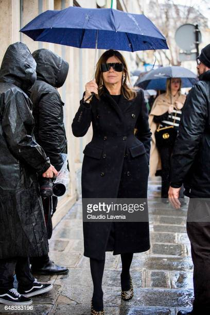 Carine Roitfeld is seen in the streets of Paris before the Valentino show during Paris Fashion Week Womenswear Fall/Winter 2017/2018 on March 5 2017...