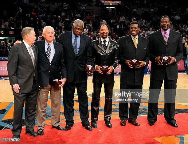 Carl Braun Richie Guerin Willis Reed Walt Frazier Bernard King and Patrick Ewing attend Knicks Legends Awards ceremony during halftime of the Orlando...