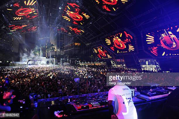 Carl Cox performs at the Ultra Music Festival 2016 on March 18 2016 in Miami Florida