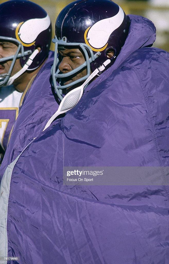 new style 079de 1b234 Carl Eller of the Minnesota Vikings sits on the sideline ...