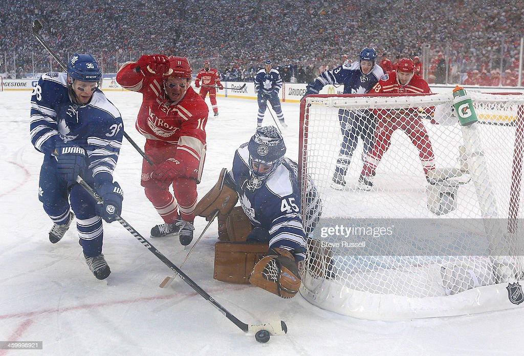 Toronto Maple Leafs beat the Detroit Red Wings 3-2 in a shootout at the Big House, Michigan Stadium at the University of Michigan : News Photo