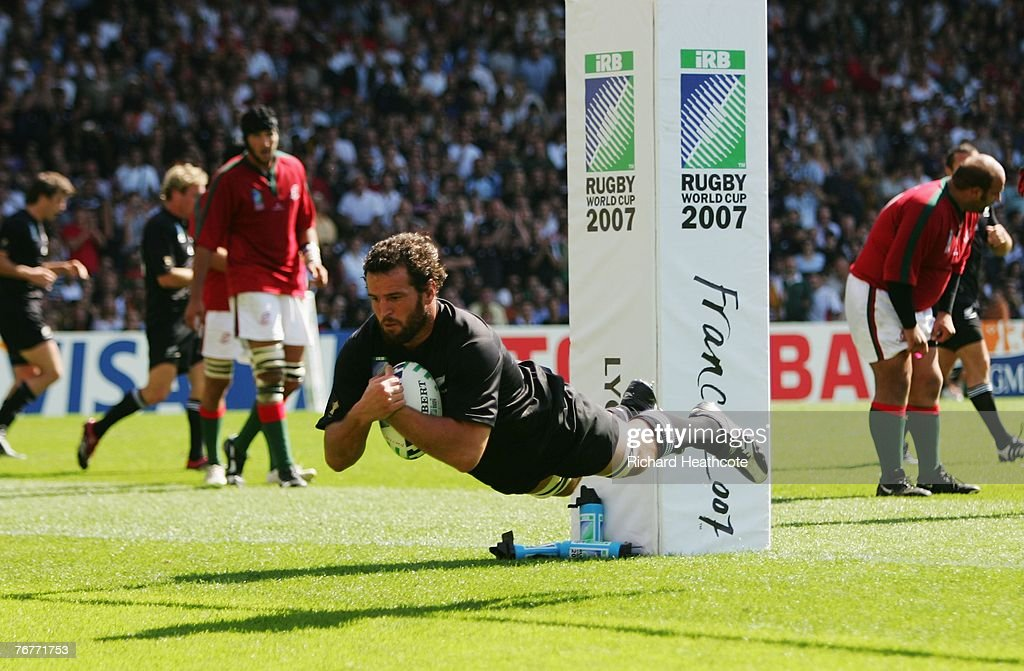 New Zealand v Portugal - IRB RWC 2007 Match Fourteen : News Photo
