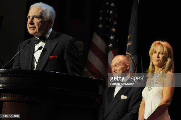 Carl Icahn Commissioner Raymond Kelly and Gail Icahn attend NEW YORK CITY POLICE FOUNDATION 32nd Annual Gala at Waldorf=Astoria on March 16 2010 in...