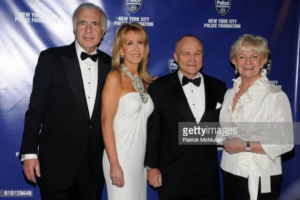 Carl Icahn Gail Icahn Commissioner Raymond Kelly and Veronica Kelly attend NEW YORK CITY POLICE FOUNDATION 32nd Annual Gala at Waldorf=Astoria on...