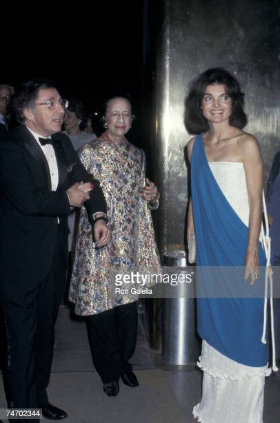 Carl Katz Diana Vreeland and Jackie Onassis at the Metropolitan Museum of Art in Beverly Hills New York