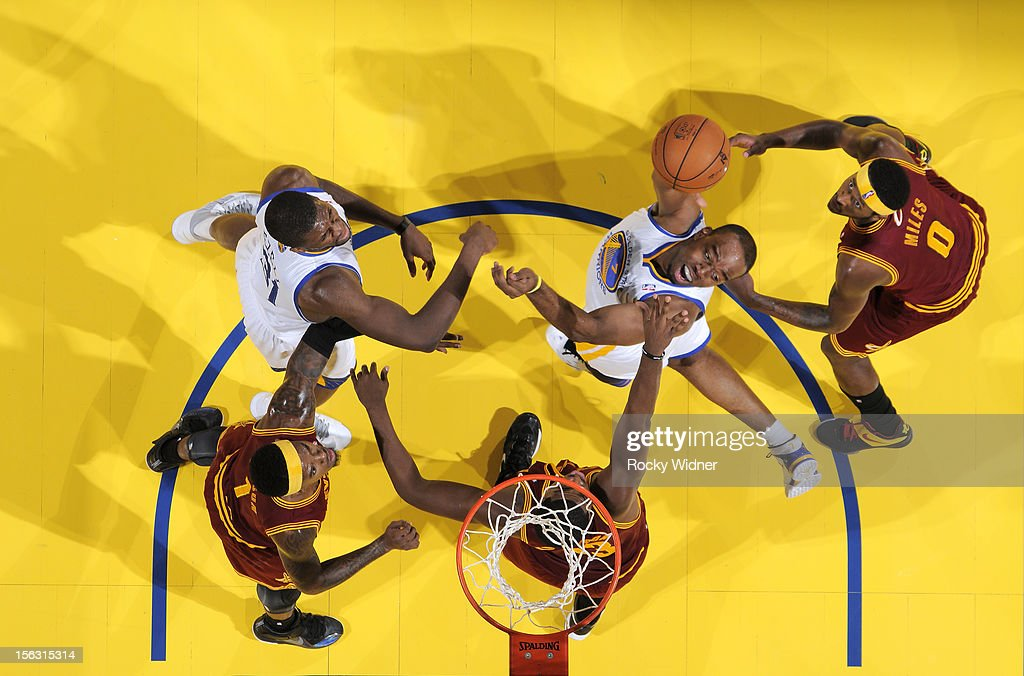 Carl Landry #7 of the Golden State Warriors takes a difficult shot against the Cleveland Cavaliers on November 7, 2012 at Oracle Arena in Oakland, California.