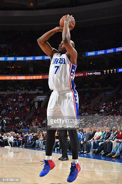 Carl Landry of the Philadelphia 76ers shoots the ball against the Indiana Pacers at the Wells Fargo Center on April 2 2016 in Philadelphia...