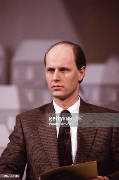 Carl Lang membre du Front National lors d'une soirée électorale sur Antenne 2 à Paris le 19 mars 1989 France
