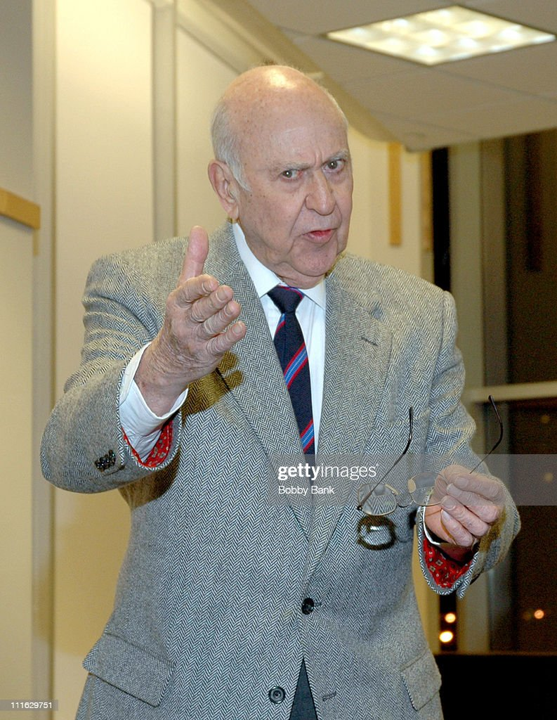 "Carl Reiner Signs His Novel ""NNNNN"" at Barnes & Noble in New York City - February 10, 2006"