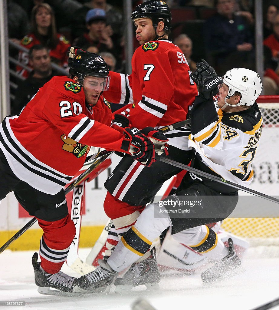 Boston Bruins v Chicago Blackhawks : News Photo
