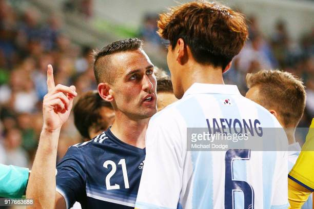 Carl Valeri of the Victory argues with Jeong Jae Yong of Ulsan Hyundai during the AFC Asian Champions Leagu between the Melbourne Victory and Ulsan...
