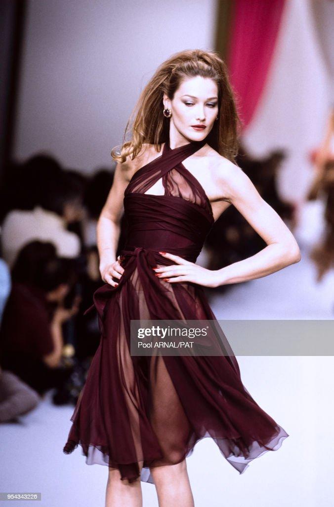 Carla Bruni Au Defile Chanel Pret A Porter Collection Automne Hiver News Photo Getty Images