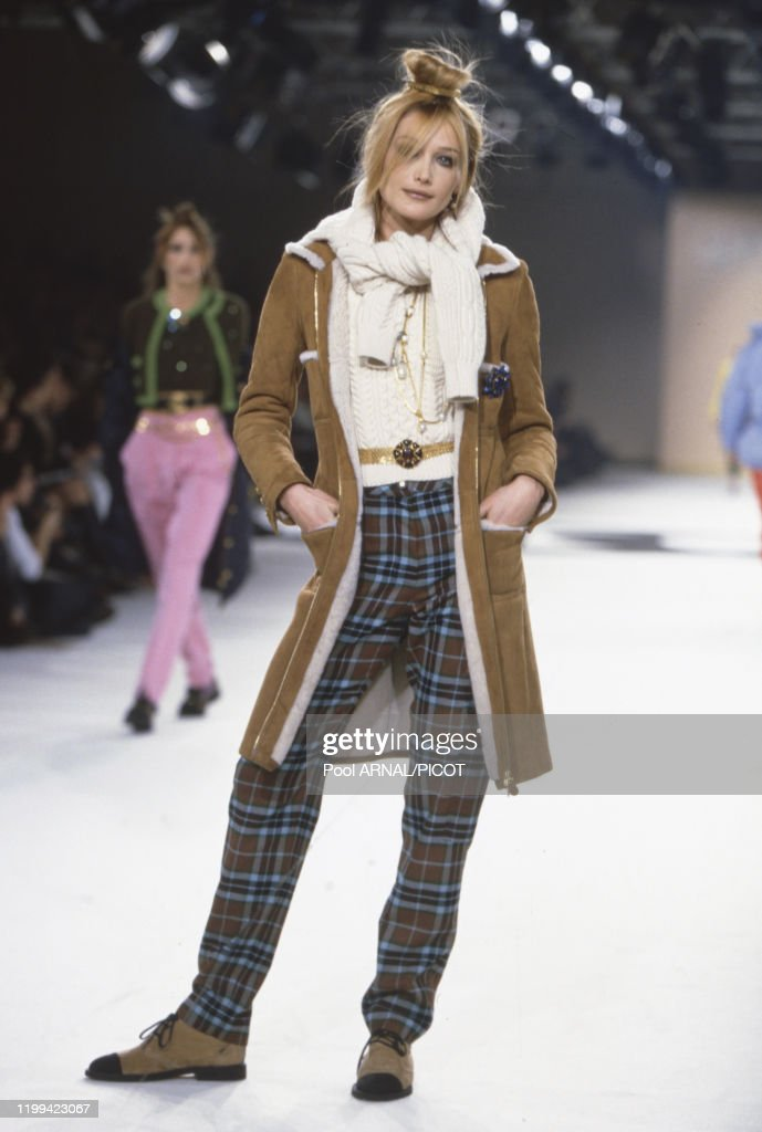 Carla Bruni Au Defile Pret A Porter Chanel Collection Automne Hiver News Photo Getty Images