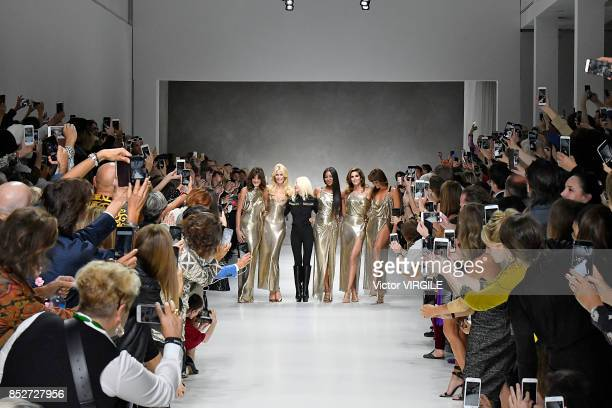 Carla Bruni Claudia Schiffer Donatella Versace Naomi Campbell Cindy Crawford and Helena Christensen walk the runway at the Versace Ready to Wear...