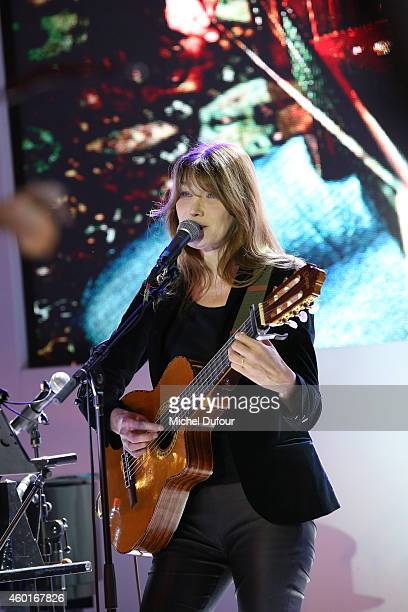 Carla Bruni Sarkozy attends the AIDES' Party At Palais D'Iena In Paris on December 8 2014 in Paris France