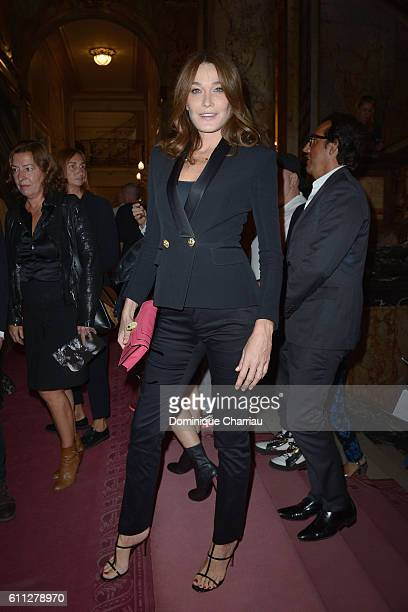 Carla Bruni Sarkozy attends the Balmain show as part of the Paris Fashion Week Womenswear Spring/Summer 2017 on September 29 2016 in Paris France