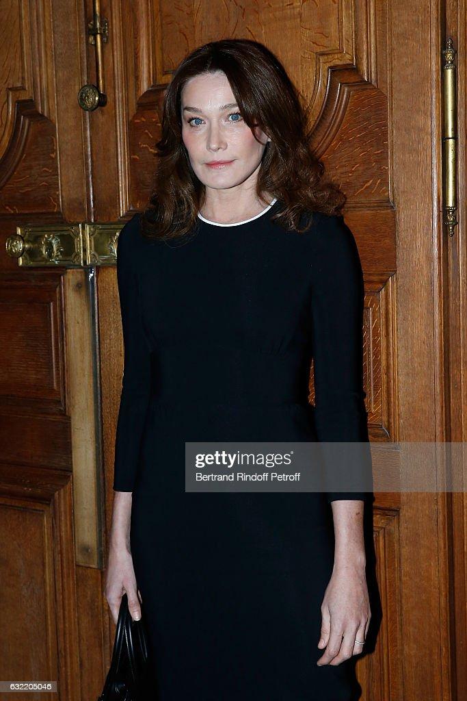 Givenchy : Front Row - Paris Fashion Week - Menswear F/W 2017-2018