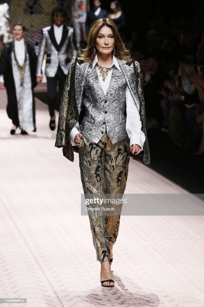 Carla Bruni Walks The Runway At The Dolce Gabbana Show During Milan News Photo Getty Images
