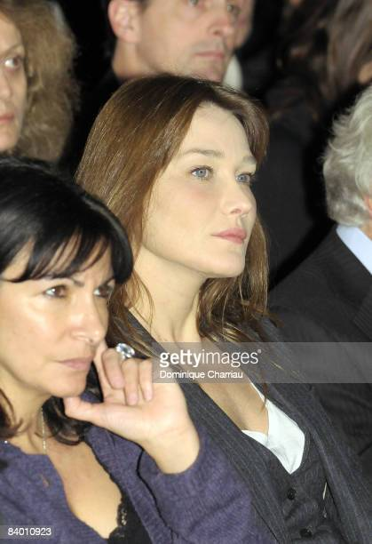 Carla BruniSarkozy attends the 9th Nobel Peace Prize World Summit at the Hotel de Ville on December 12 2008 in Paris France