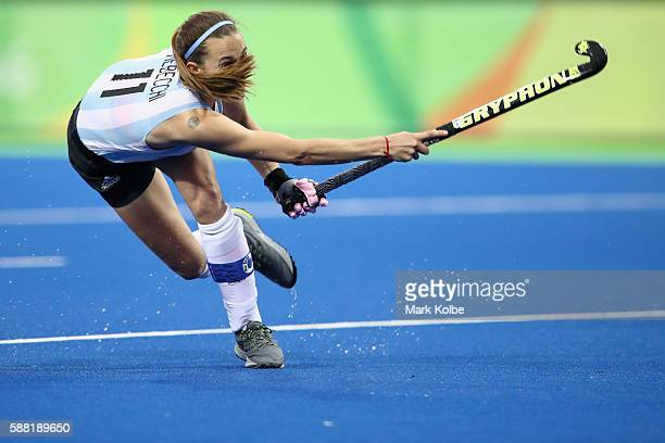 Carla Rebecchi of Argentina shoots at goal during the women's pool B match between Great Britain and Argentina on Day 5 of the Rio 2016 Olympic Games...