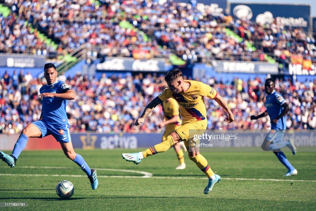 Getafe CF v FC Barcelona - La Liga : Fotografía de noticias