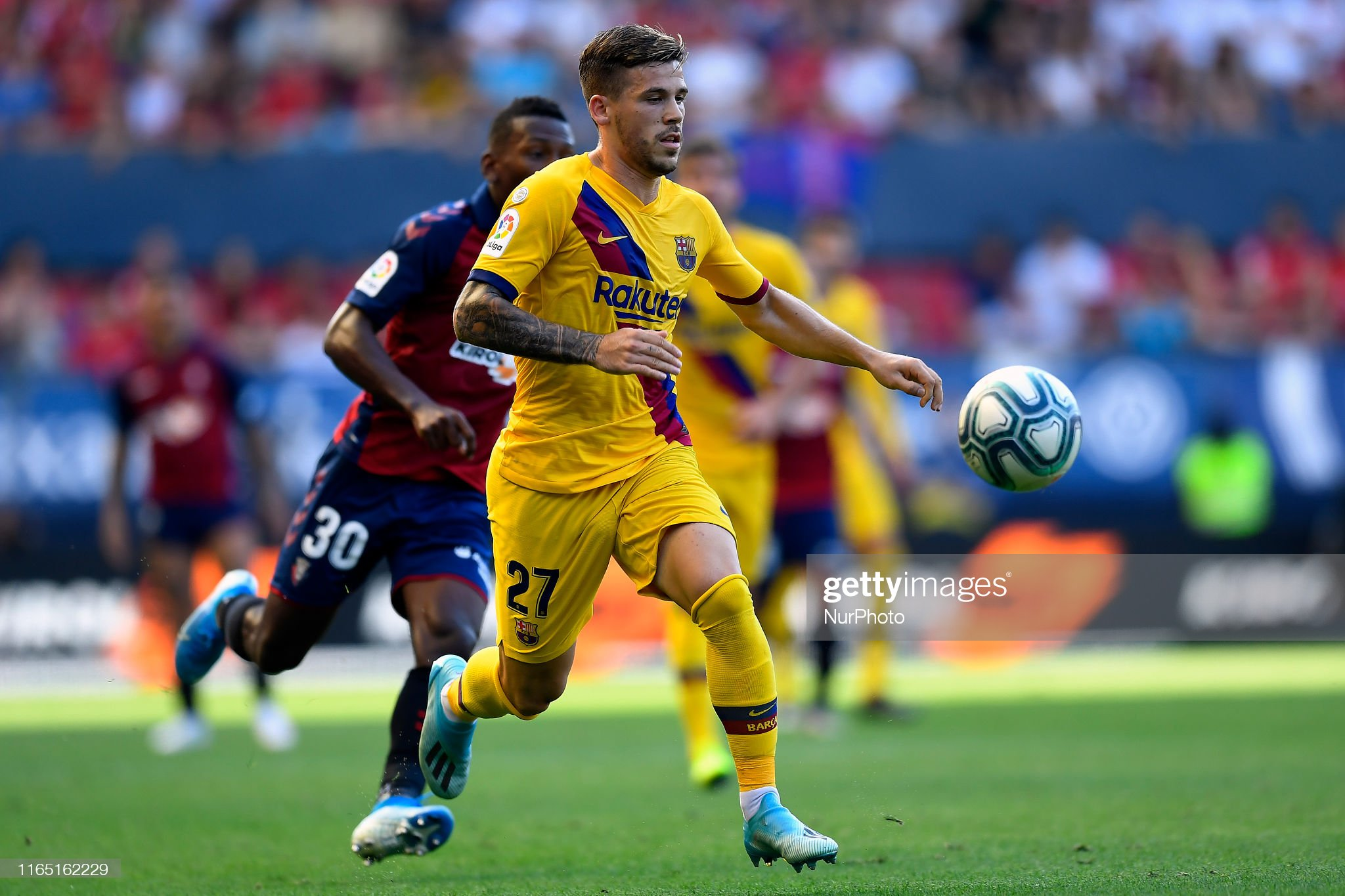 صور مباراة : أوساسونا - برشلونة 2-2 ( 31-08-2019 )  Carles-perez-of-barcelona-controls-the-ball-during-the-liga-match-ca-picture-id1165162229?s=2048x2048