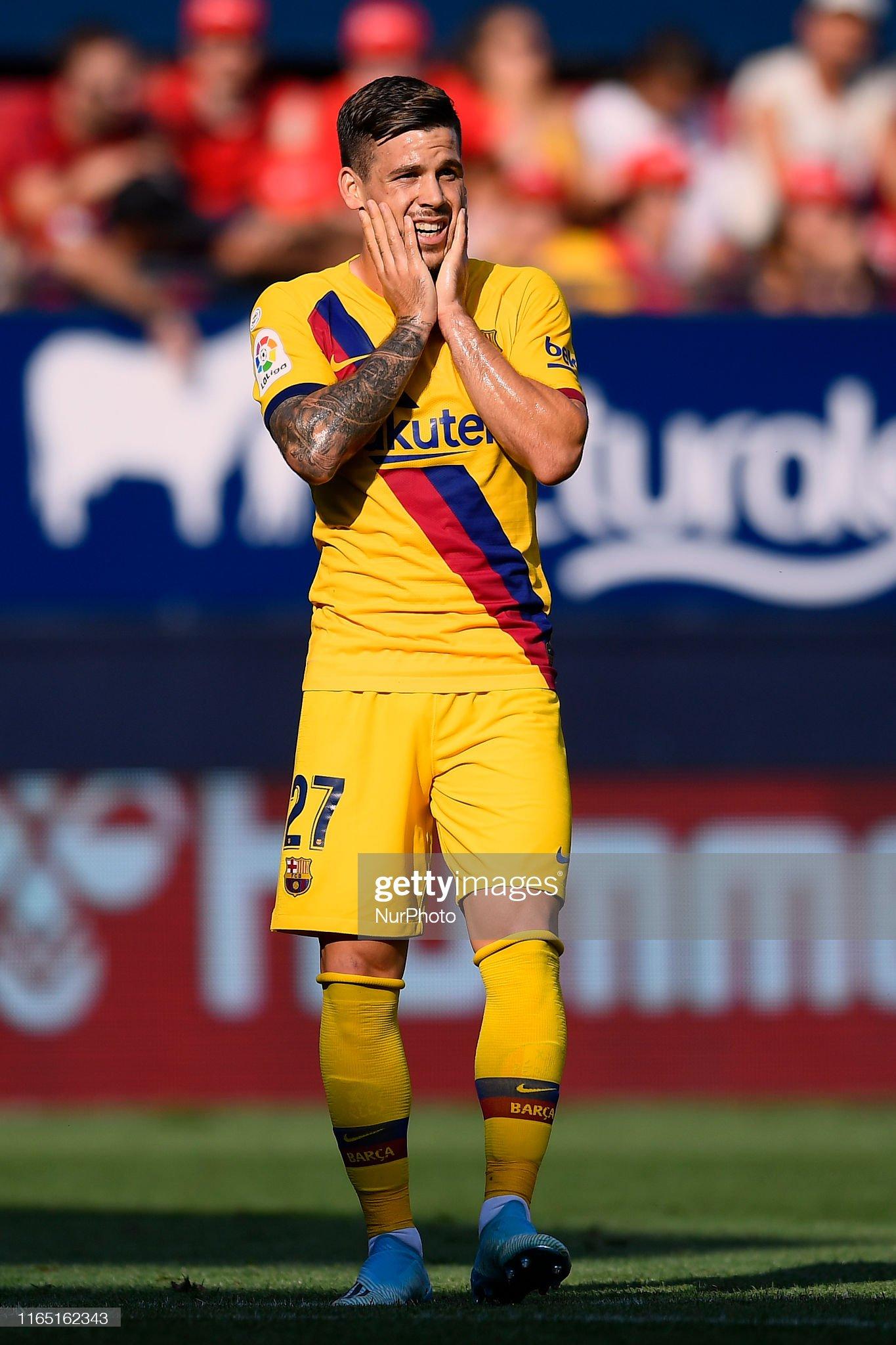 صور مباراة : أوساسونا - برشلونة 2-2 ( 31-08-2019 )  Carles-perez-of-barcelona-lament-a-failed-occasion-during-the-liga-picture-id1165162343?s=2048x2048