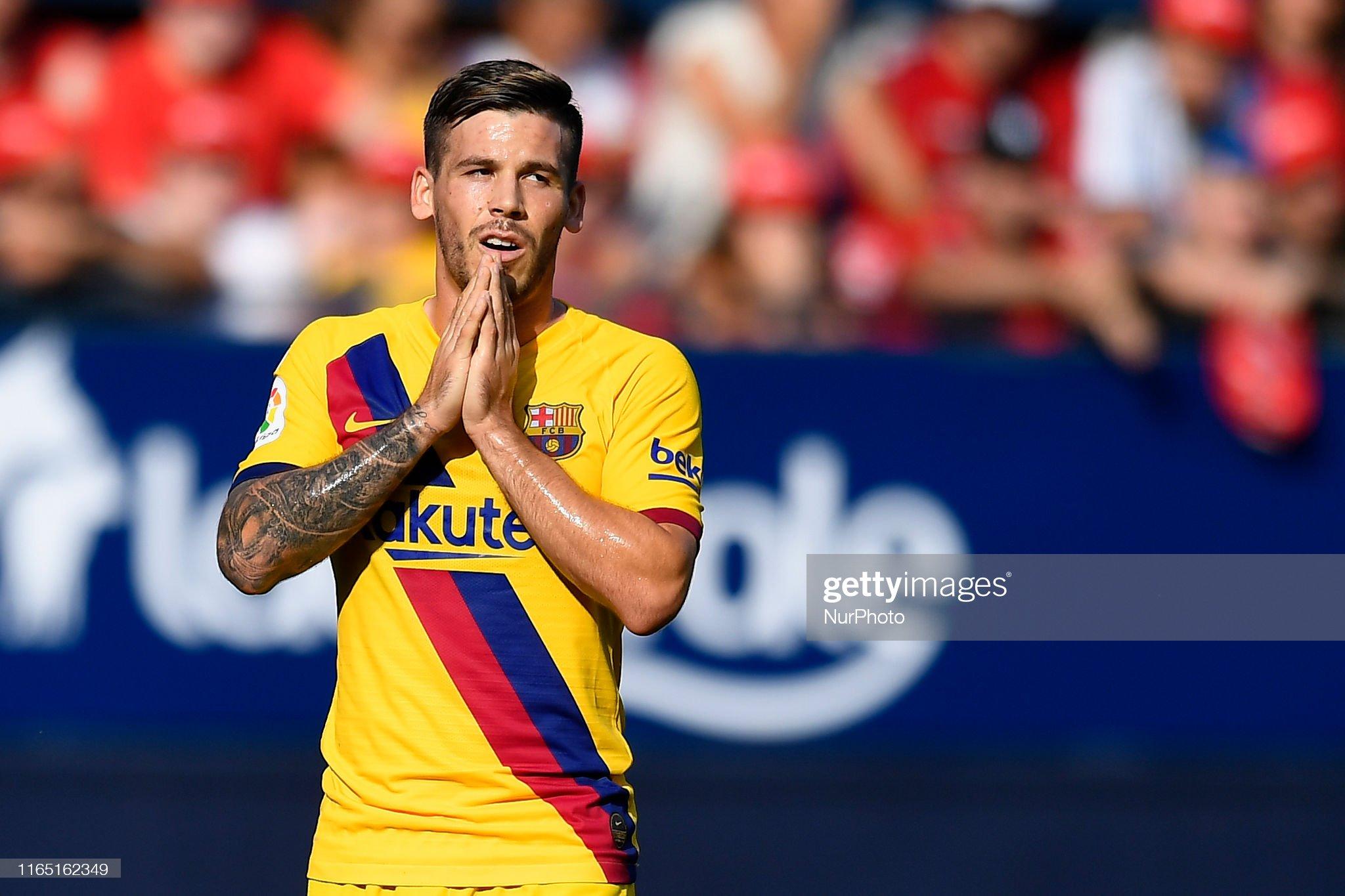 صور مباراة : أوساسونا - برشلونة 2-2 ( 31-08-2019 )  Carles-perez-of-barcelona-lament-a-failed-occasion-during-the-liga-picture-id1165162349?s=2048x2048