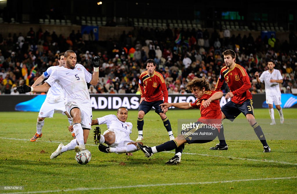 Soccer - FIFA Confederations Cup South Africa 2009 - Semifinals - Spain vs. USA : News Photo