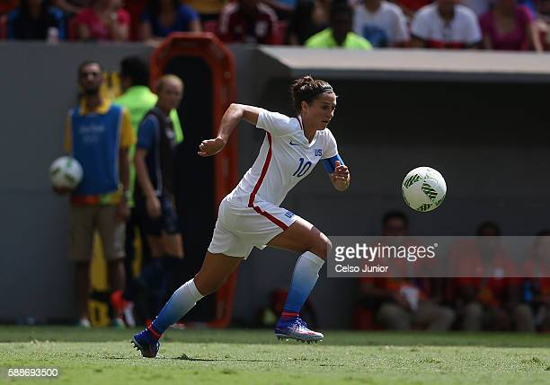 Carli Lloyd of United States controls the ball against Sweden during the Women's Football Quarterfinal match at Mane Garrincha Stadium on Day 7 of...
