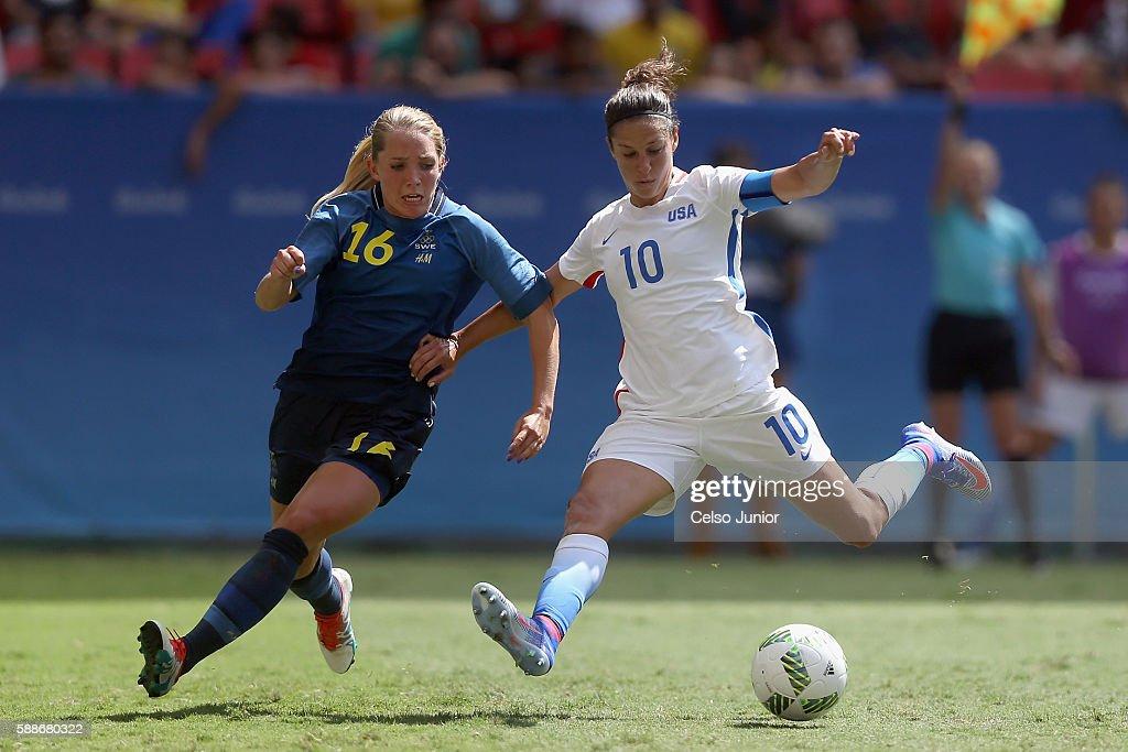 USA v Sweden Quarterfinal: Women's Football - Olympics: Day 7 : ニュース写真