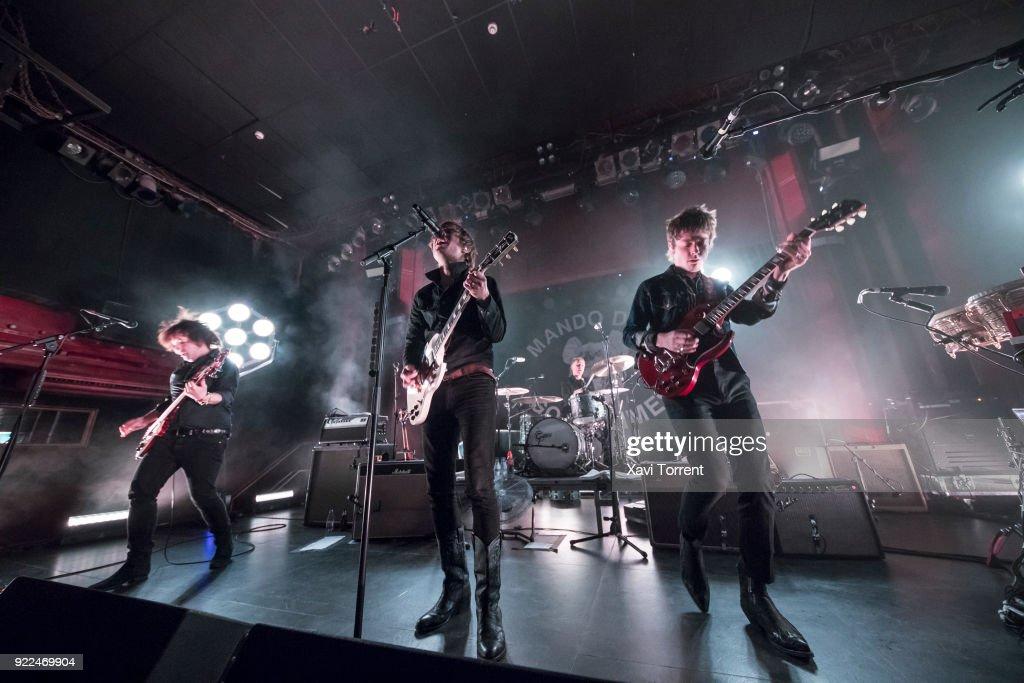 Mando Diao Perform in Concert in Barcelona : Nachrichtenfoto