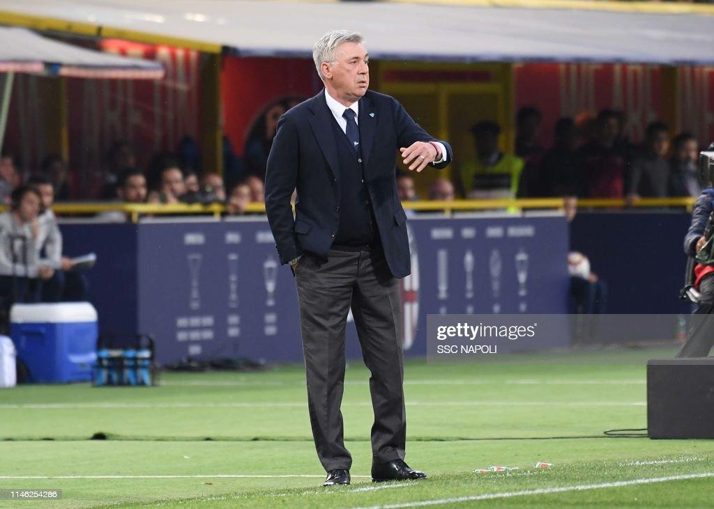 Bologna FC v SSC Napoli - Serie A : Fotografía de noticias