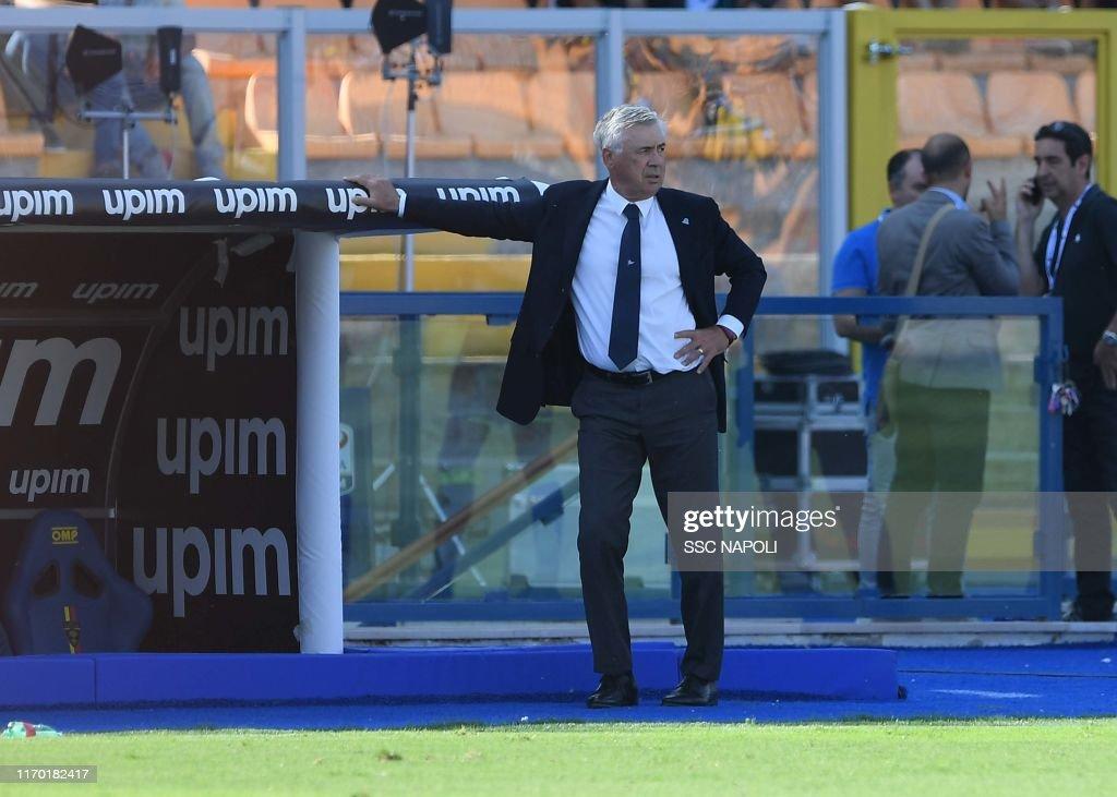 US Lecce v SSC Napoli - Serie A : Foto di attualità