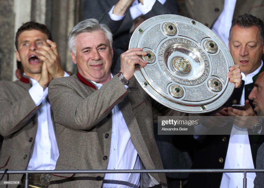 Bayern Muenchen Celebrate German Championship At Town Hall Balcony : News Photo