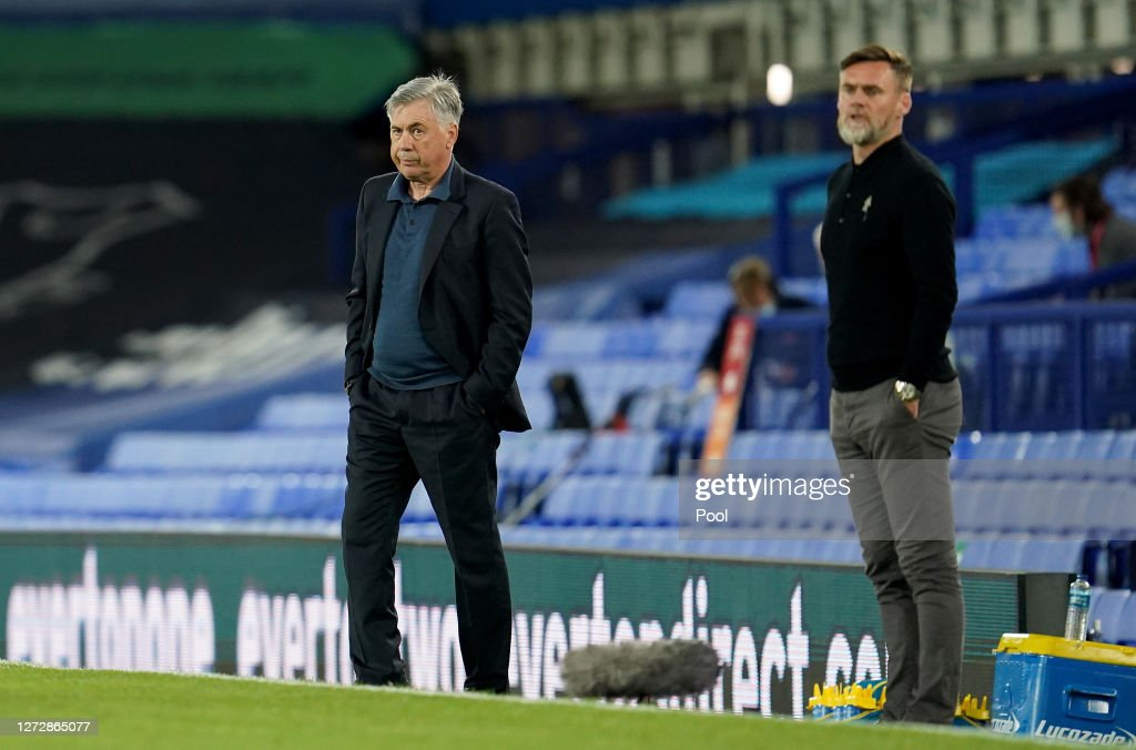 Carlo Ancelotti, Manager of Everton and Graham Alexander, Manager of...  News Photo - Getty Images